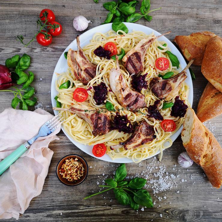 Lammkarree mit Pasta Aglio